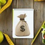 Cosa fare per guadagnare una vita più felice e più sana risparmiando soldi