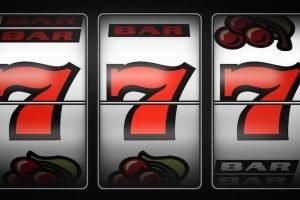 È stata dichiarata guerra da parte dei Casinò alla Slot Machine Caesars Casino dopo che una donna vince al Jackpot progressivo